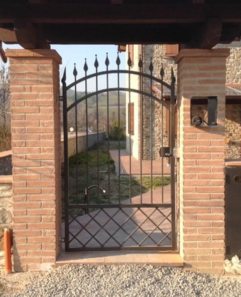 Cancelletto pedonale abitazione in ferro battuto