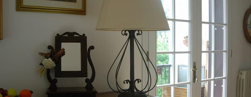 Lampada personalizzata in ferro per interni