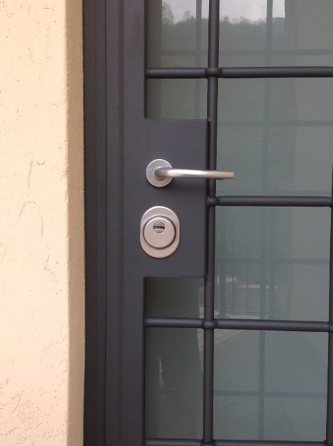 Inferriate blindate per porte d 39 ingresso in acciaio - Porte usate per esterno ...