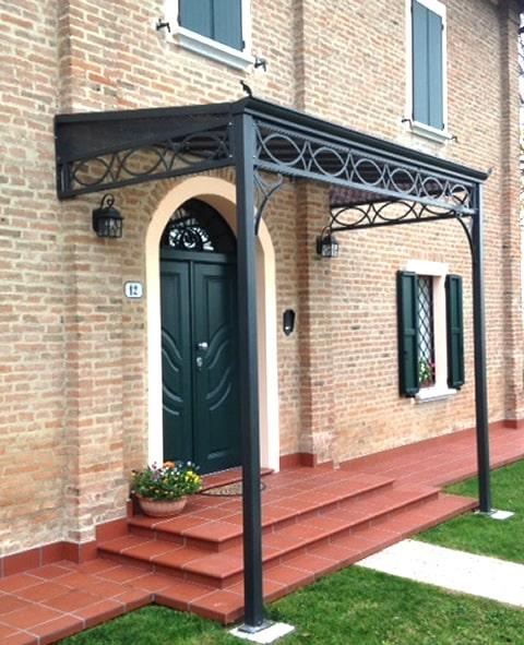Pensilina esterna in ferro battuto per ingresso abitazione